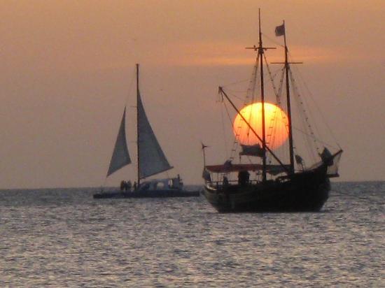 ماريوتس أوروبا أوشن كلوب: Another awe inspiring sunset