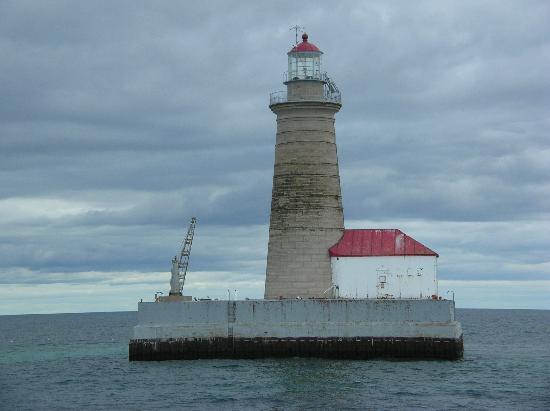 Shepler's Lighthouse Cruises: Spectacle Reef Light