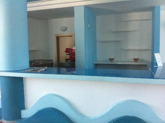 Selinunte Beach: il bar interno....