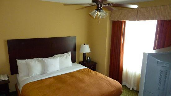 Homewood Suites Houston near the Galleria: Nice and comfy bedroom