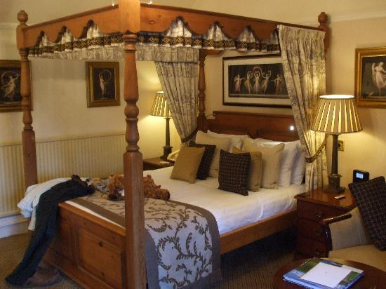 East Lodge Country House Hotel : bedroom