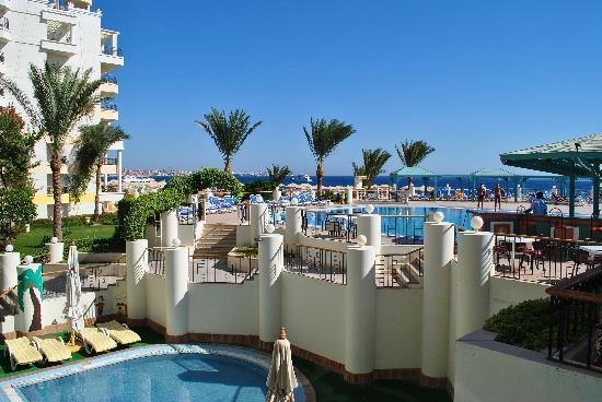 SUNRISE Holidays Resort: Piscina zi