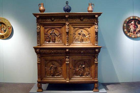 Museum of Applied Art (Kunstgewerbemuseum): A cabinet