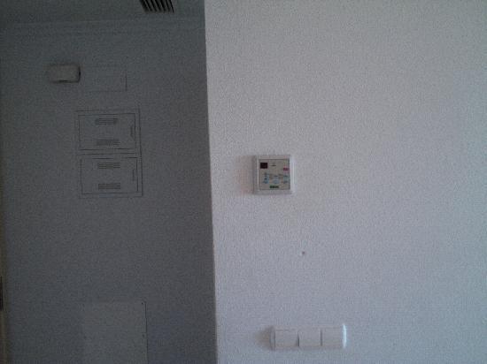 Ambar Beach Apartments: Air Conditioning