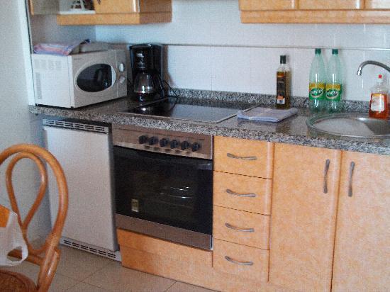 Ambar Beach Apartamentos - Unitursa: Kitchen area