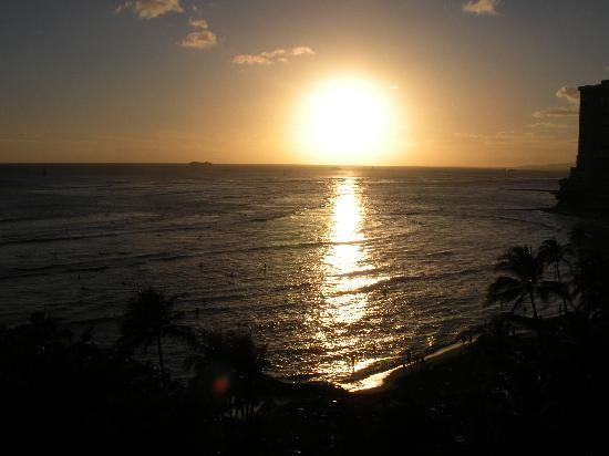 Aston Waikiki Beachside Hotel: waikiki sunset from room 1102