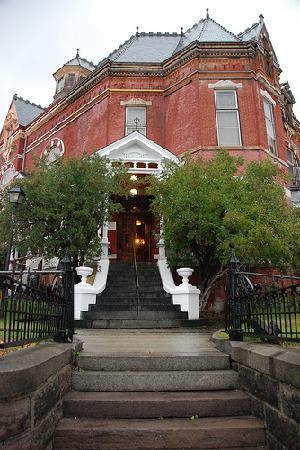 Copper King Mansion: The Entrance