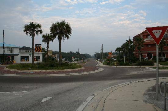 Hampton Inn Amelia Island at Fernandina Beach: A block from the beach