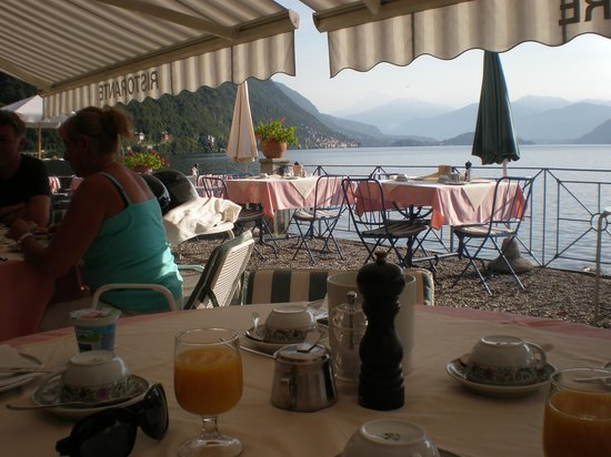 Argegno, Italy: Breakfast on the Terrace