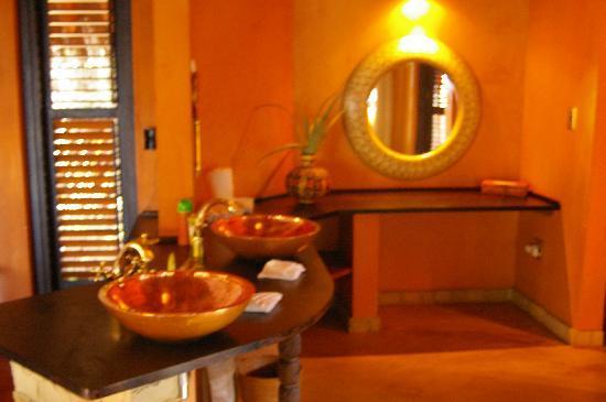 andBeyond Benguerra Island: Inside the Casita - sink area