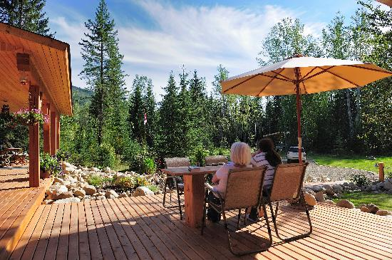 Moul Creek Lodge B & B : Entspannung auf der Terrasse