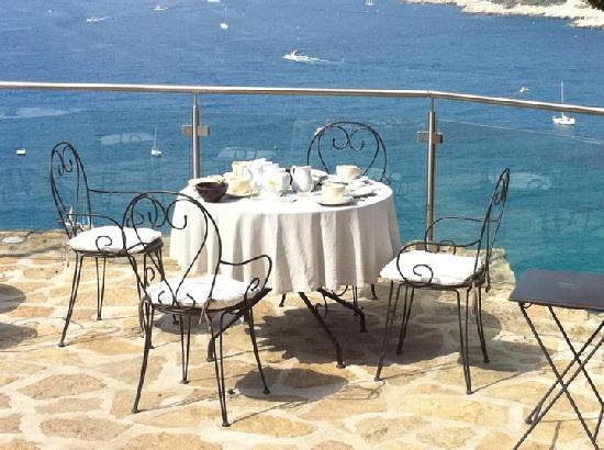 Chateau de Cassis: Un petit déjeuner dès plus agréable
