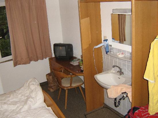 Hotel Garni Bulligan : room