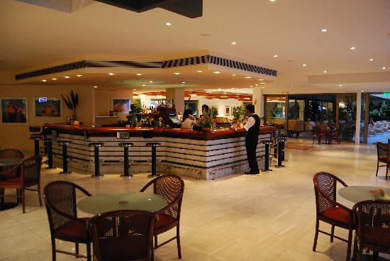 Kontokali Bay Resort and Spa: bar
