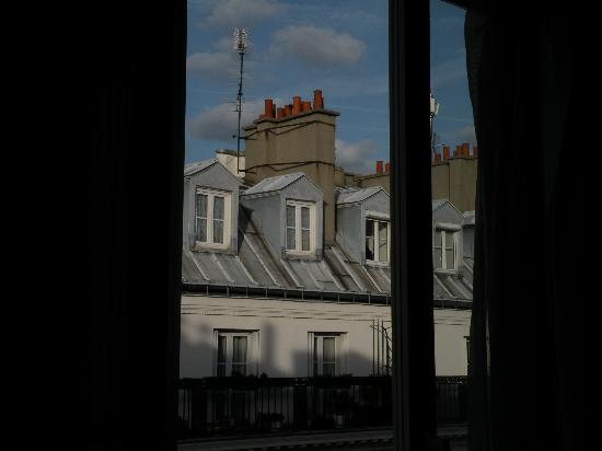 Hotel Garden Opera: Vue de ma chambre vers la droite