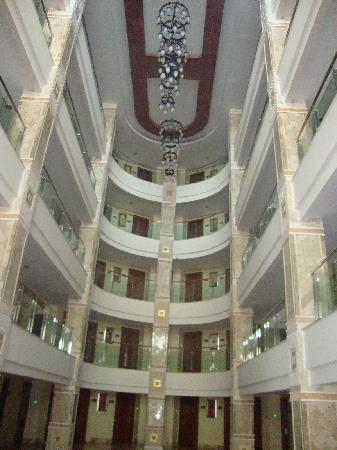 Alba Royal Hotel: Inside of hotel