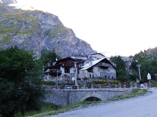 Bardonecchia, İtalya: L'entrée du village.
