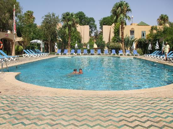 Ametis Club Karam : piscine de l'hotel
