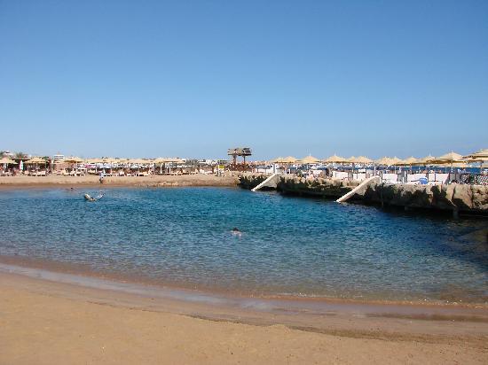 SUNRISE Holidays Resort: The artificial lagoon