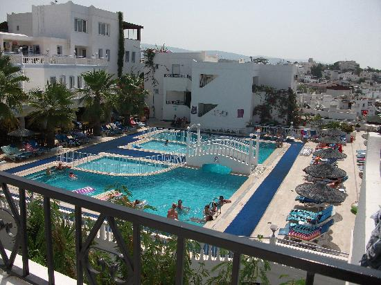 Club Alka: Another lovely view of the pool area