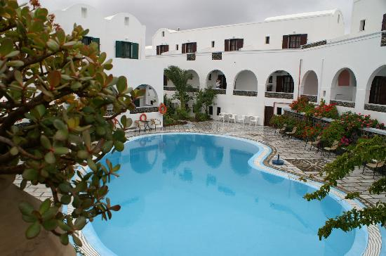 New Haroula Hotel: swimming pool New Haroula