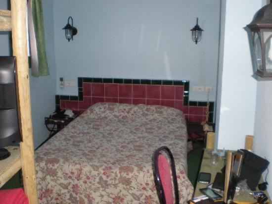 Hotel Chez Carriere: le lit