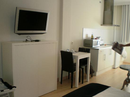 Tv fotograf a de aparthotel novo sancti petri c diz - Apartahotel sevilla este ...