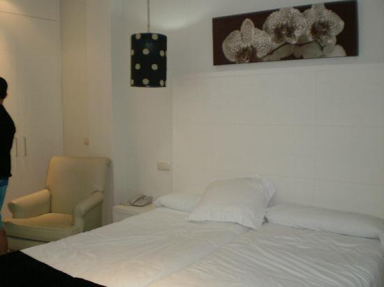 Aparthotel Novo Sancti Petri: cama