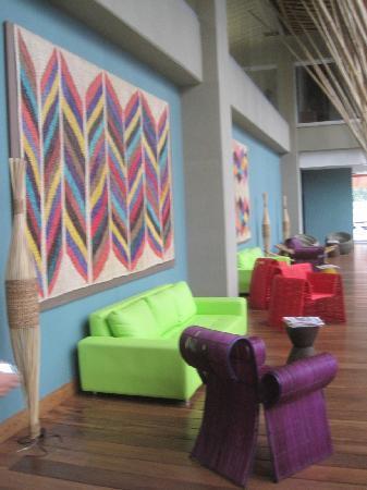 Diez Hotel Categoria Colombia: sala cerca del lobby diseño con clase y modernidad