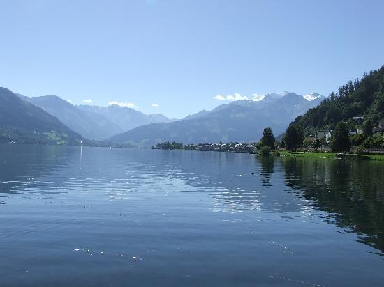 Hotel Lebzelter: Zell am See on a good day