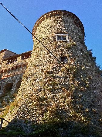 Fosdinovo, Italie : Il castello è un castello.