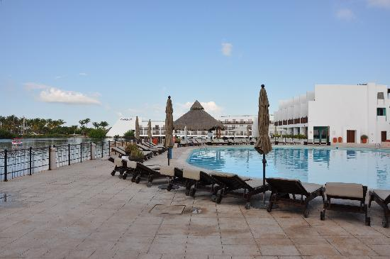 Club Med Cancun Yucatan: piscine principale