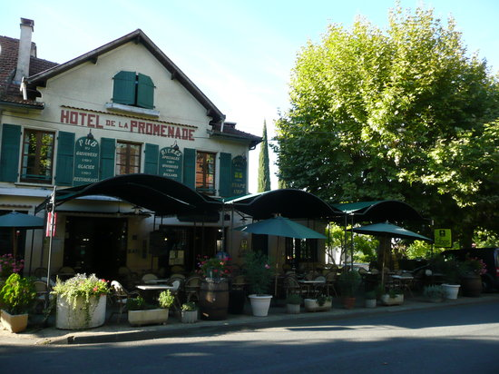 Hotel la promenade gourdon voir les tarifs 49 avis et for Trouver des hotels