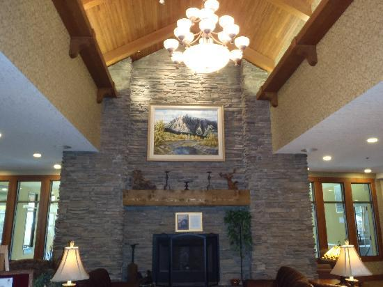 BEST WESTERN PLUS Fernie Mountain Lodge : The Hotel Lobby