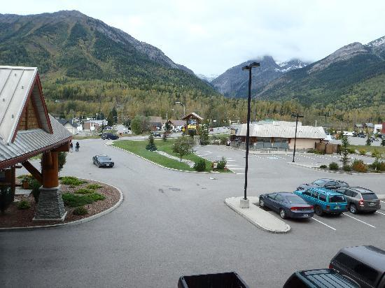 Best Western Plus Fernie Mountain Lodge: View Outside The Room