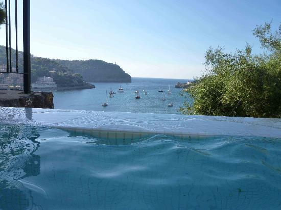 Esplendido Hotel: A pool with a view