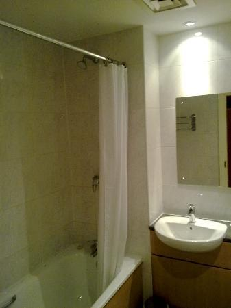 Llwyn Onn Guest House: Bathroom