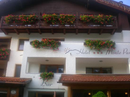 Hotel Monte Paraccia Photo