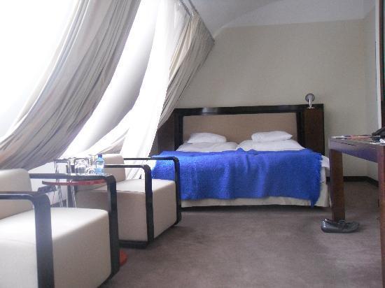 Maximilian Hotel: 633