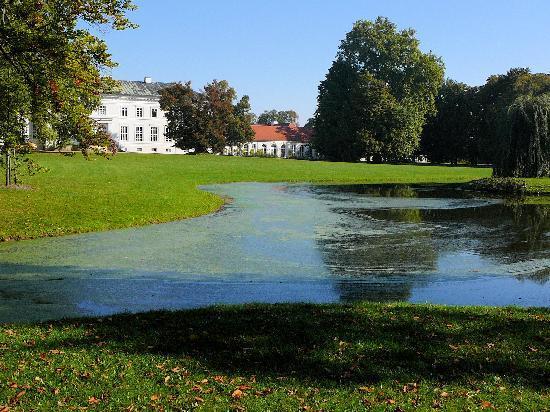 Neuhardenberg, Tyskland: Im Schlosspark