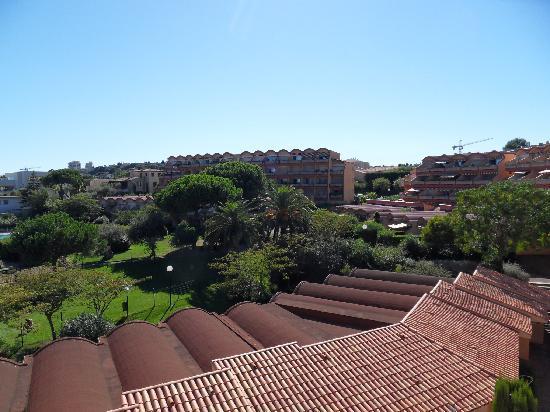 Residence le Parc Velusine : La résidence depuis la terrasse de notre chambre