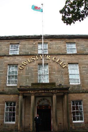 Celtic Royal Hotel: outside