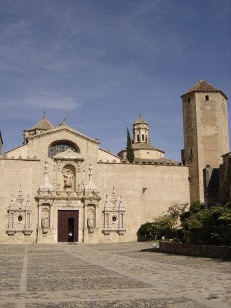 Monastère de Poblet facade