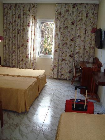 Hotel Parque: Chambre triple
