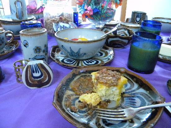 Casa Benavides Historic Inn: Breakfast was SO good in beautiful dining room