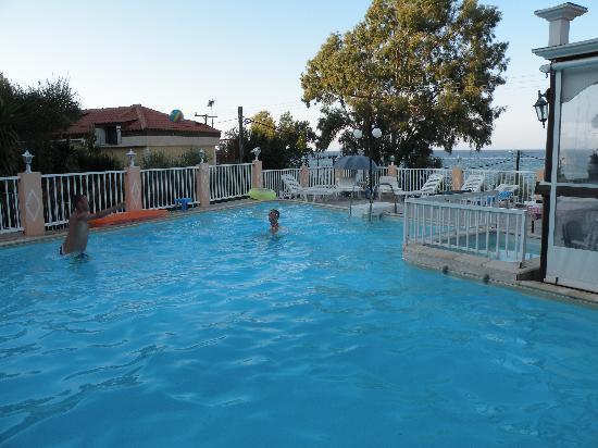 Noula Studios: The pool