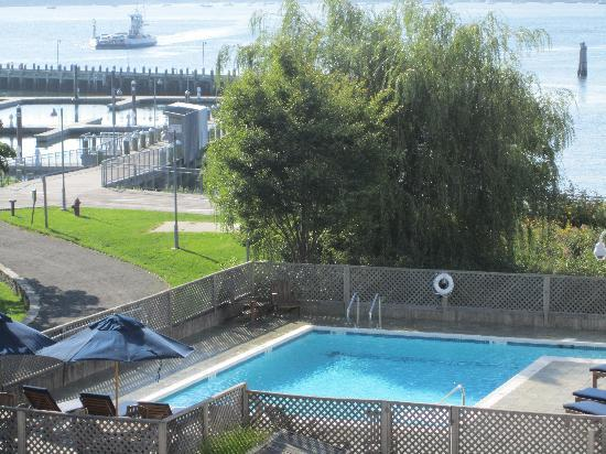 Harborfront Inn at Greenport: view of pool from room balcony