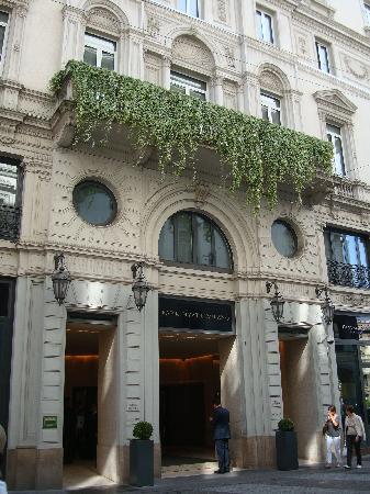 Park Hyatt Milan: Hotel exterior