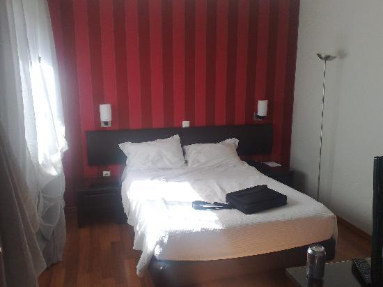 Athens Habitat: Bedroom