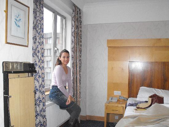 Imperial Hotel: In the room